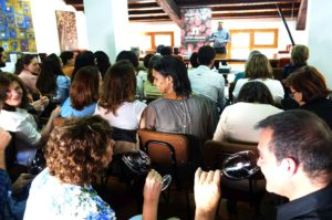 El Hospital La Fe participa en una jornada sobre el olfato y el vino