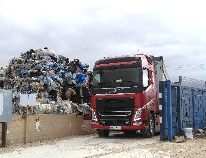 Comienza la retirada programada de residuos plasticos de Utiel Recicla