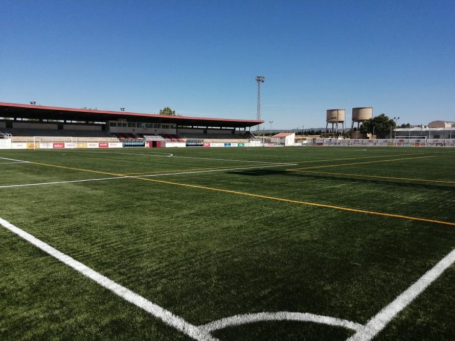 El Campo Municipal de Fútbol de Utiel estrena césped artificial