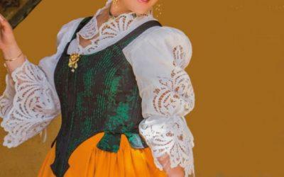 La presentación de la Reina de la Feria y Fiestas de Utiel, preámbulo de las fiestas patronales del municipio