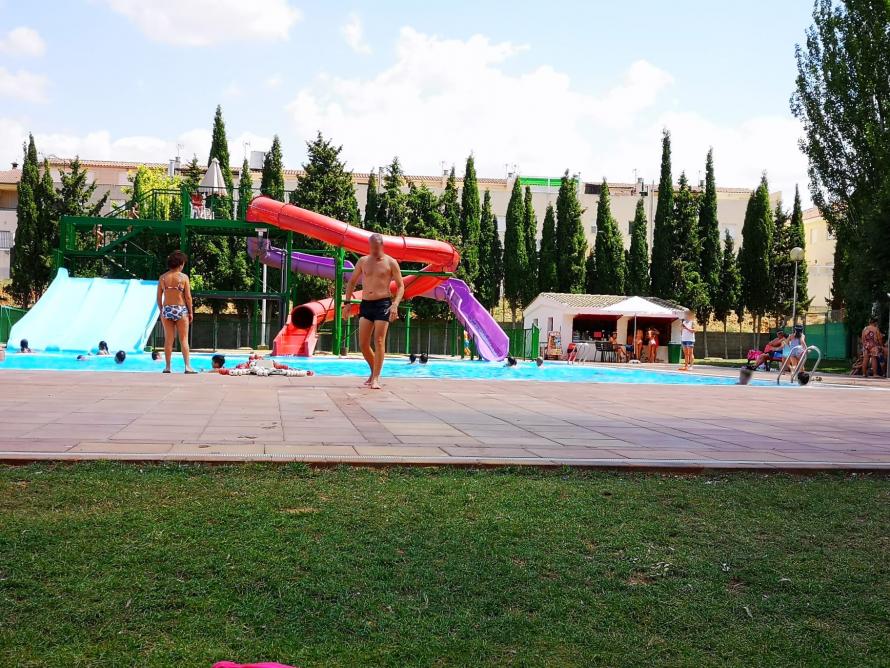 Las piscinas del Polideportivo de Utiel se abrirán el 1 de julio con aforo limitado y estrictas medidas de seguridad