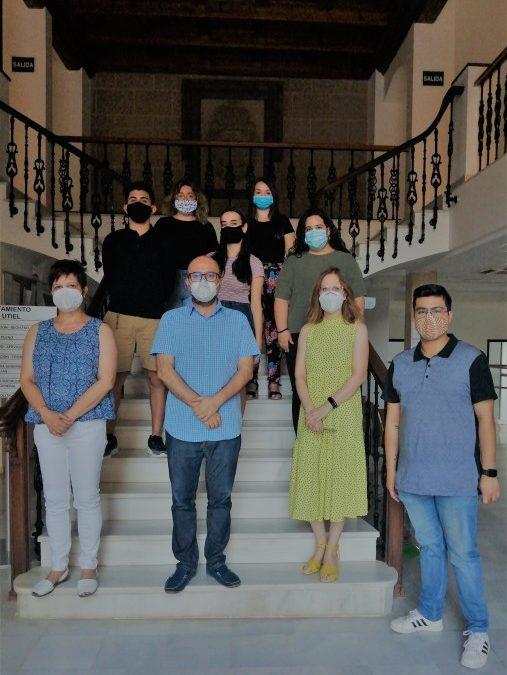 """Cinco estudiantes inician las prácticas de """"Utiel Te Beca 2020"""""""