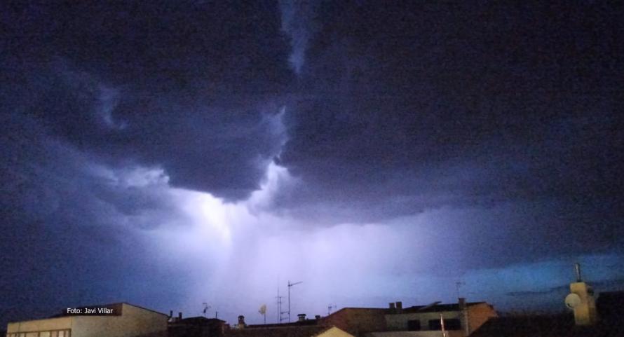 Una tormenta con pedrisco produce daños importantes en cultivos agrícolas de Venta del Moro