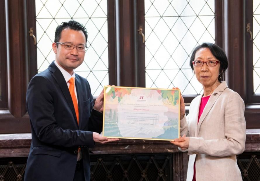 La DO Utiel-Requena nombra a su embajador de marca en Japón