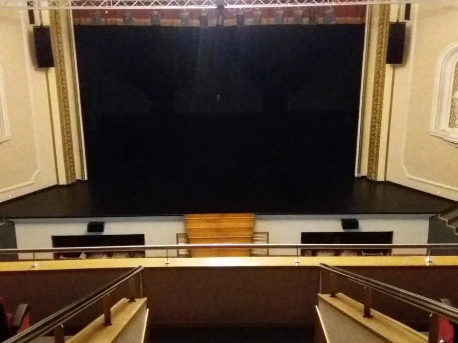 El Teatro Rambal de Utiel levanta de nuevo el telón con sonorización renovada